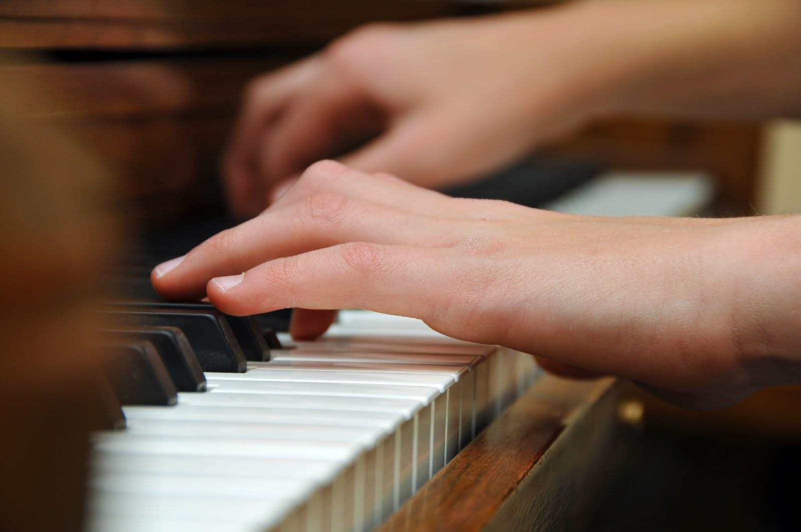 teen piano lessons
